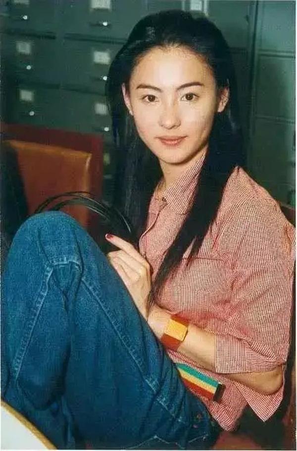 Nhan sắc hoa nhường nguyệt thẹn của Trương Bá Chi ở tuổi 20, thế mới thấy Tạ Đình Phong đã bỏ lỡ điều gì-7