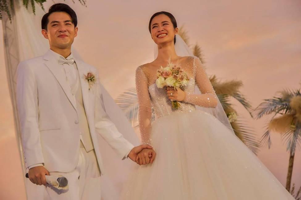 Sự thật ẩn sau chiếc khăn voan của Đông Nhi là quãng đường tình cảm suốt 10 năm qua của cặp đôi trời định-1