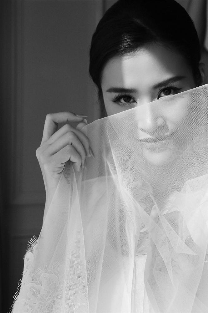 Sự thật ẩn sau chiếc khăn voan của Đông Nhi là quãng đường tình cảm suốt 10 năm qua của cặp đôi trời định-3