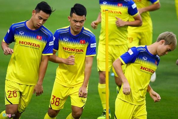 HLV Park loại 5 cầu thủ trước trận gặp Thái Lan, UAE-1