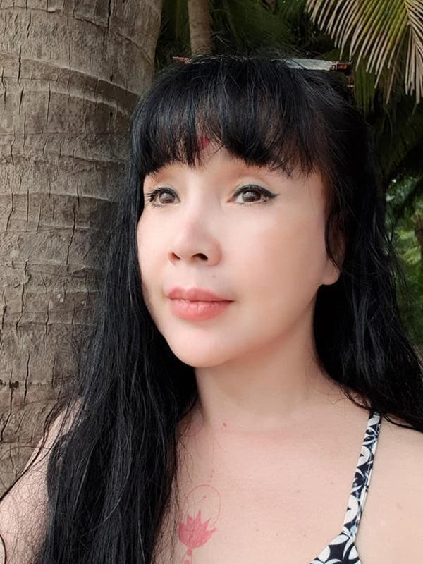 Bất ngờ với gương mặt trẻ trung, căng bóng của NSND Lan Hương ở tuổi U60-5