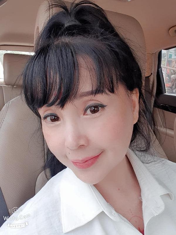 Bất ngờ với gương mặt trẻ trung, căng bóng của NSND Lan Hương ở tuổi U60-6