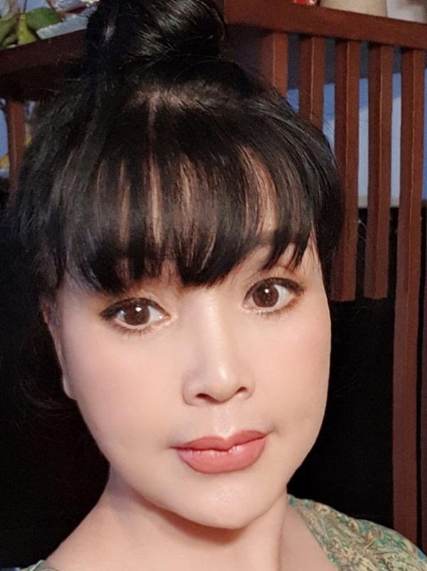 Bất ngờ với gương mặt trẻ trung, căng bóng của NSND Lan Hương ở tuổi U60-8