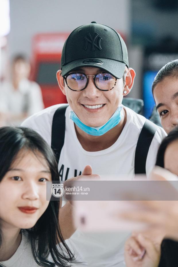 Dàn sao Vbiz đổ bộ sân bay rời Phú Quốc: Người thấm mệt, người vẫn tươi rói sau đêm quẩy nhiệt tại đám cưới Đông Nhi-18