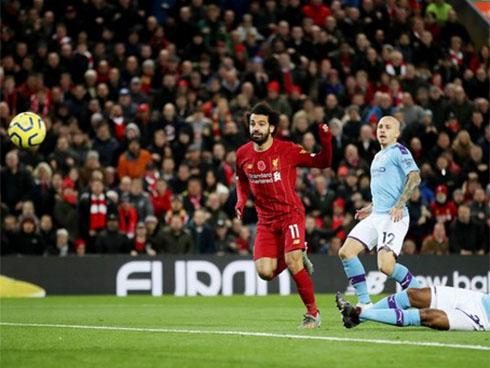 Liverpool bỏ xa Man City 9 điểm sau trận thắng 3-1-1