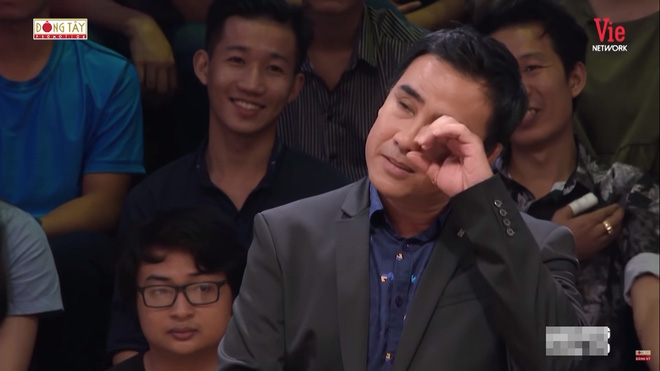 Quyền Linh khóc, kể về người bố thứ hai và cảnh quay ôm hoa hậu Hương Giang chết bên suối-5