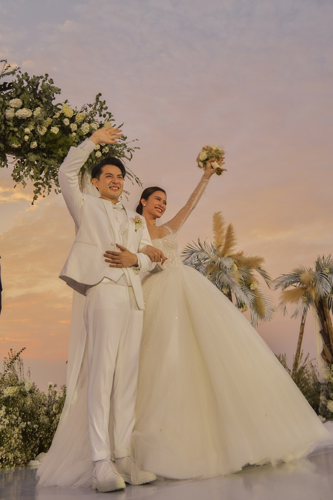 Ông Cao Thắng đi giày độn cao trong lễ cưới với Đông Nhi-2