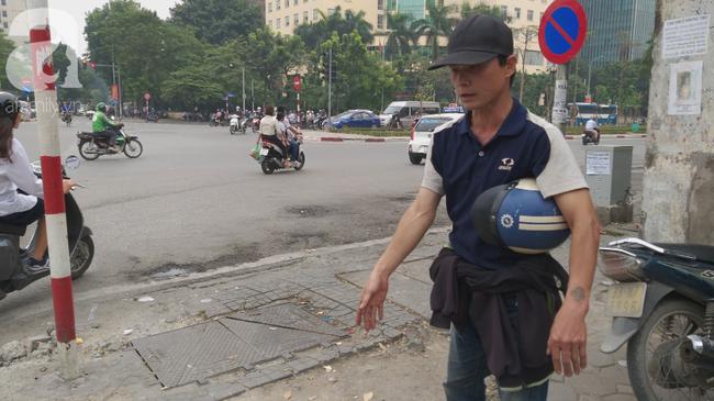 Gia cảnh khốn khó của cụ ông xe ôm 80 tuổi bị đồng nghiệp đánh nhập viện vì giành chỗ đón khách-6