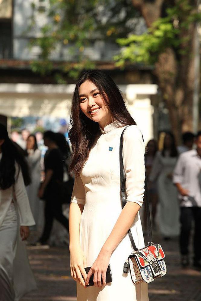 Từ hồi là nữ sinh trường PTTH Phan Đình Phùng, Tường San đã vô cùng nổi tiếng với nhan sắc xinh đẹp, nổi bật-2