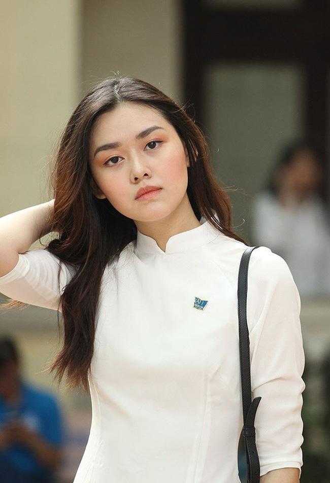 Từ hồi là nữ sinh trường PTTH Phan Đình Phùng, Tường San đã vô cùng nổi tiếng với nhan sắc xinh đẹp, nổi bật-4