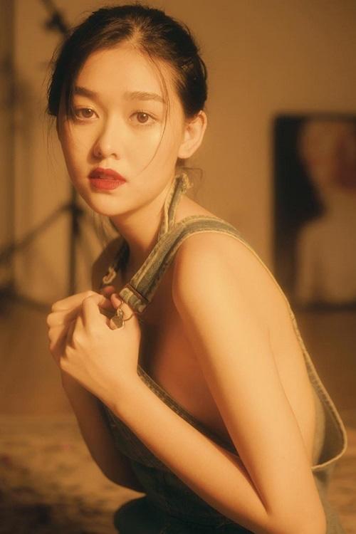 Từ hồi là nữ sinh trường PTTH Phan Đình Phùng, Tường San đã vô cùng nổi tiếng với nhan sắc xinh đẹp, nổi bật-7