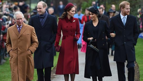 Meghan Markle hắt hủi Nữ hoàng Anh, tránh chạm mặt chị dâu Kate khi không đón Giáng sinh với gia đình nhà chồng?-1