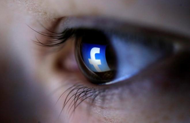 Facebook lén sử dụng camera của iPhone?-1