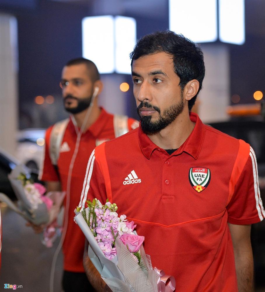 Đội tuyển UAE đi chuyên cơ, tới Việt Nam lúc nửa đêm-3