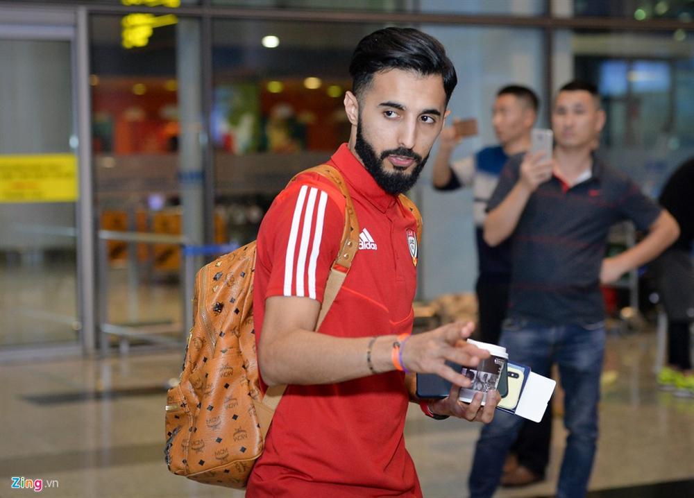 Đội tuyển UAE đi chuyên cơ, tới Việt Nam lúc nửa đêm-7
