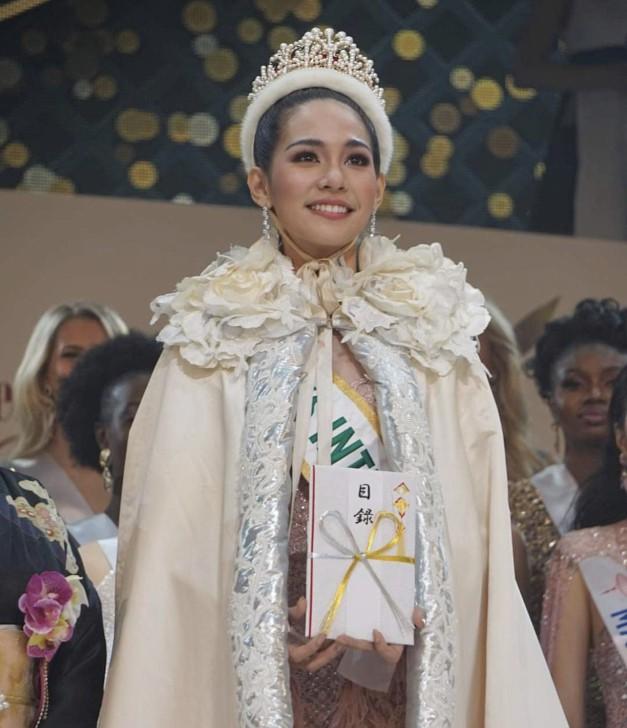 Nhan sắc đời thường trong trẻo, mộc mạc của tân Hoa hậu Quốc tế-1