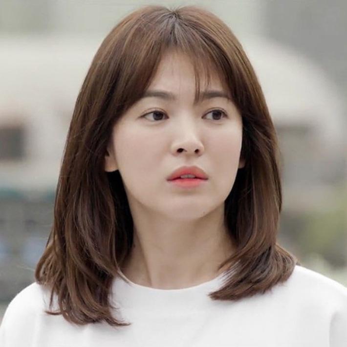 """Loạt bí kíp của Song Hye Kyo giúp các quý cô rút được cả tá"""" chiêu skincare đúng chuẩn-1"""