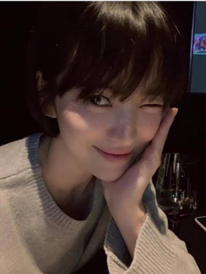 """Loạt bí kíp của Song Hye Kyo giúp các quý cô rút được cả tá"""" chiêu skincare đúng chuẩn-5"""