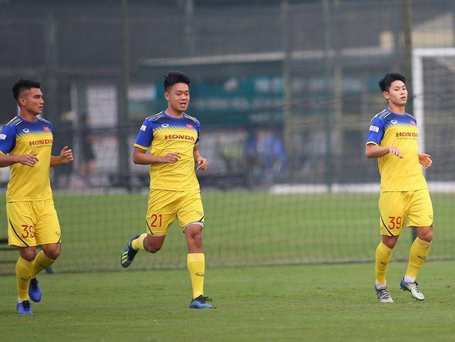 HLV Park Hang Seo chốt danh sách 23 cầu thủ đấu UAE-1