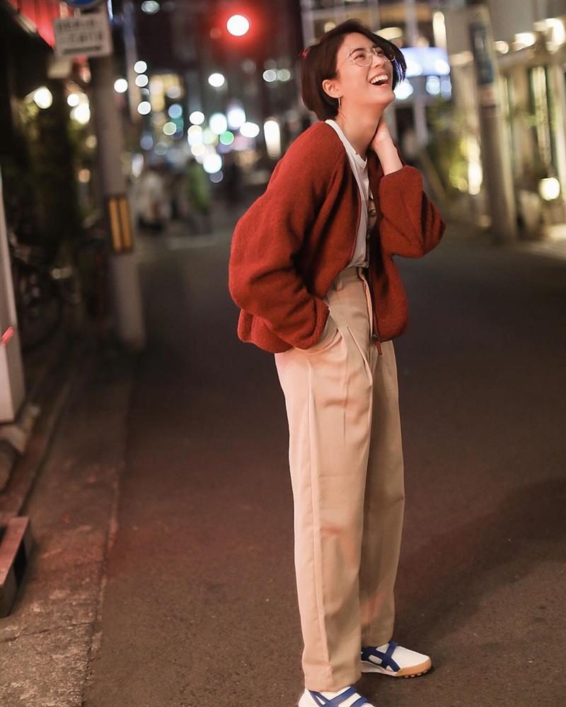 Chiêm ngưỡng những set đồ Đông chất lừ của bà xã dượng Chat, chị em sẽ mong trời lạnh thật nhanh để mặc mốt như cô ấy-3