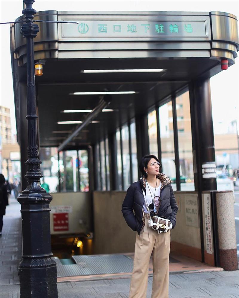 Chiêm ngưỡng những set đồ Đông chất lừ của bà xã dượng Chat, chị em sẽ mong trời lạnh thật nhanh để mặc mốt như cô ấy-7