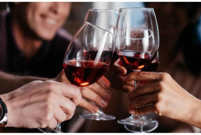 Uống 1 ly rượu vang mỗi ngày lợi hay hại?-2