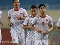 Đội mưa tập luyện trước trận gặp UAE: Công Phượng, Văn Hậu bị 'soi'