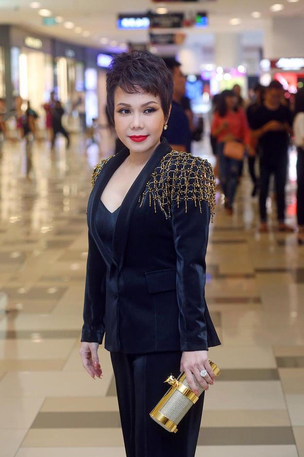 Sau Lý Nhã Kỳ lại đến Việt Hương gây choáng váng khi diện set đồ gần 6 tỷ đồng đi dự sự kiện-3