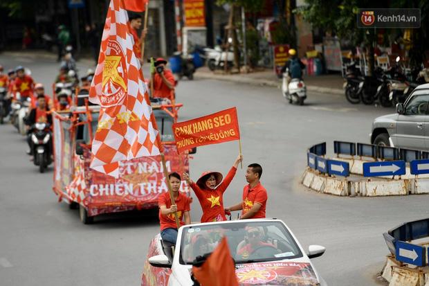 Hàng triệu CĐV vỡ òa trong niềm vui chiến thắng của đội tuyển Việt Nam trước UAE-50
