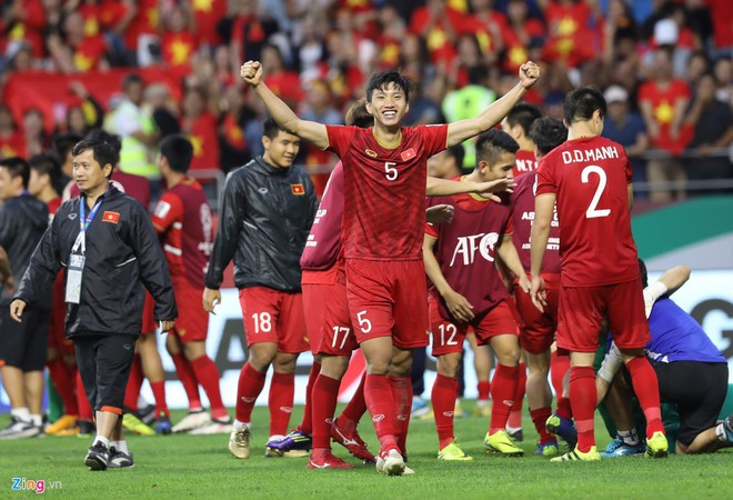 Tuyển Việt Nam vs UAE: Công Phượng tiếp tục dự bị-6