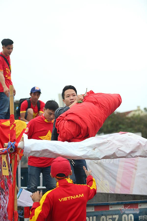 Hàng triệu CĐV vỡ òa trong niềm vui chiến thắng của đội tuyển Việt Nam trước UAE-36