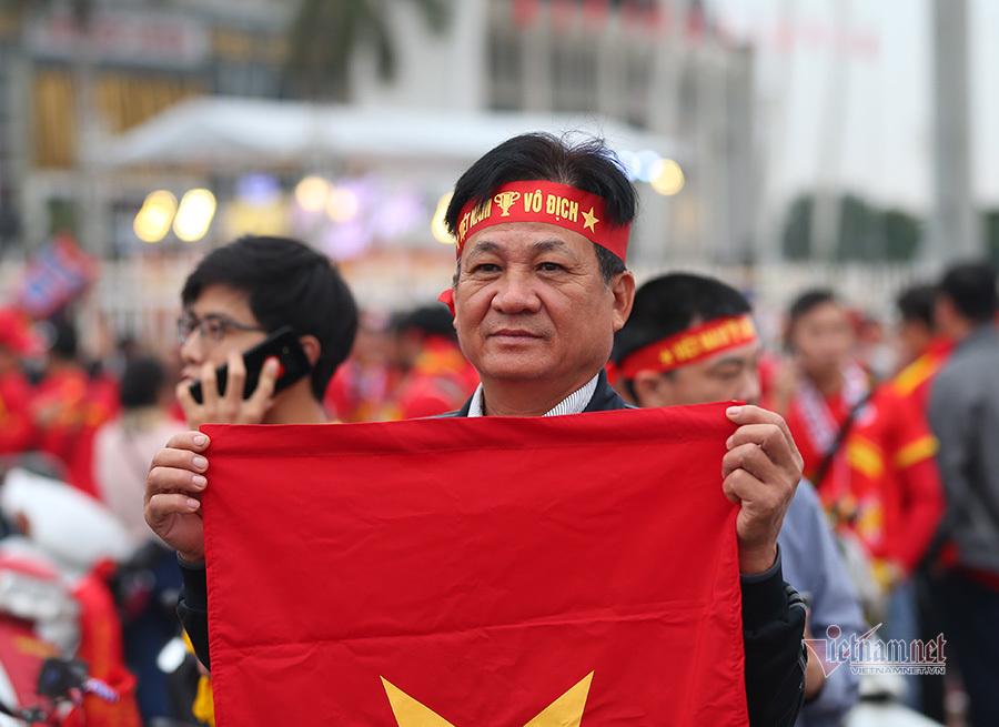 Hàng triệu CĐV vỡ òa trong niềm vui chiến thắng của đội tuyển Việt Nam trước UAE-41