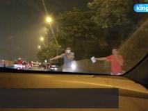 Clip: Phe vé lộng hành trước trận Việt Nam gặp UAE,