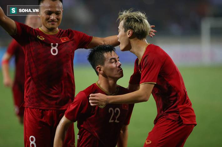 Thầy Park quật ngã UAE, nhận niềm vui nhân đôi để mở toang cánh cửa vào vòng 3 World Cup-11
