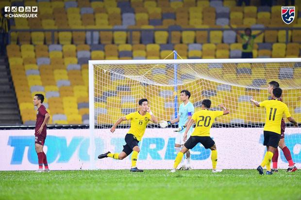 Malaysia ngược dòng trước Thái Lan, giúp Việt Nam lên đầu bảng-2