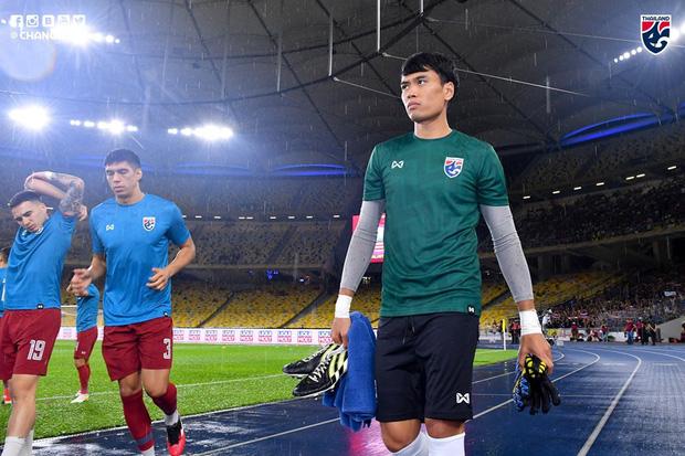 Malaysia ngược dòng trước Thái Lan, giúp Việt Nam lên đầu bảng-4