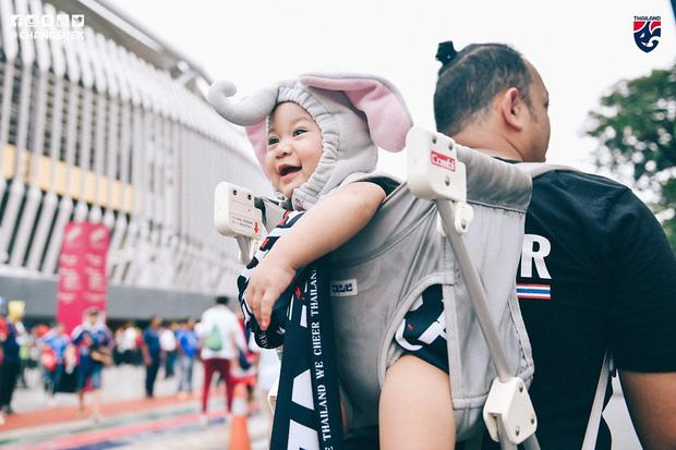Malaysia ngược dòng trước Thái Lan, giúp Việt Nam lên đầu bảng-7