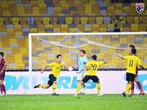 Malaysia ngược dòng trước Thái Lan, giúp Việt Nam lên đầu bảng