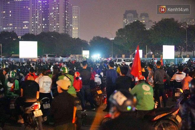 Hàng triệu CĐV vỡ òa trong niềm vui chiến thắng của đội tuyển Việt Nam trước UAE-3