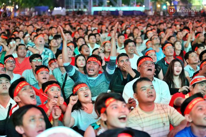Hàng triệu CĐV vỡ òa trong niềm vui chiến thắng của đội tuyển Việt Nam trước UAE-10
