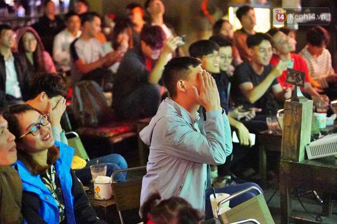 Hàng triệu CĐV vỡ òa trong niềm vui chiến thắng của đội tuyển Việt Nam trước UAE-11