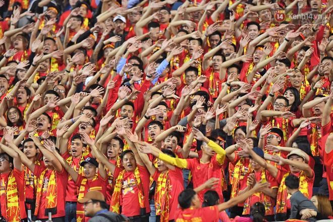 Hàng triệu CĐV vỡ òa trong niềm vui chiến thắng của đội tuyển Việt Nam trước UAE-12