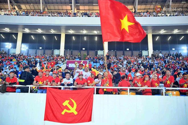 Hàng triệu CĐV vỡ òa trong niềm vui chiến thắng của đội tuyển Việt Nam trước UAE-13