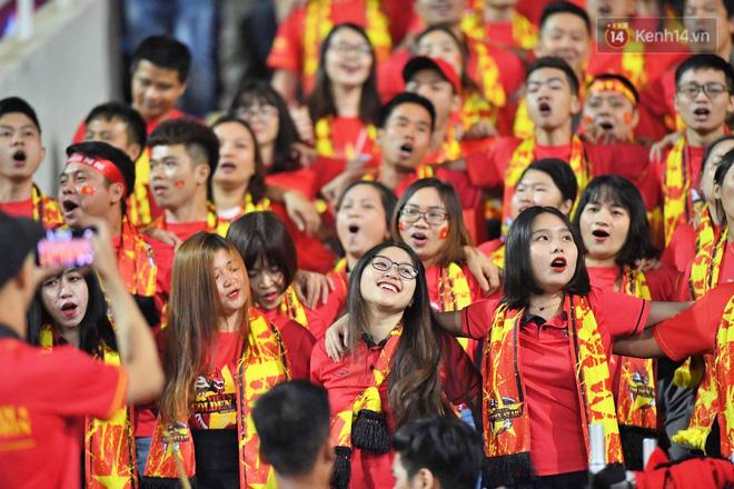 Hàng triệu CĐV vỡ òa trong niềm vui chiến thắng của đội tuyển Việt Nam trước UAE-16