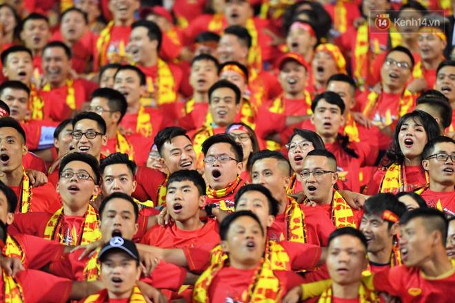 Hàng triệu CĐV vỡ òa trong niềm vui chiến thắng của đội tuyển Việt Nam trước UAE-18