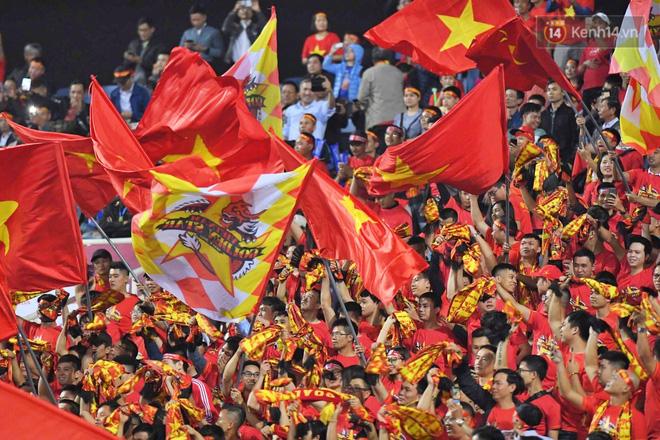 Hàng triệu CĐV vỡ òa trong niềm vui chiến thắng của đội tuyển Việt Nam trước UAE-19