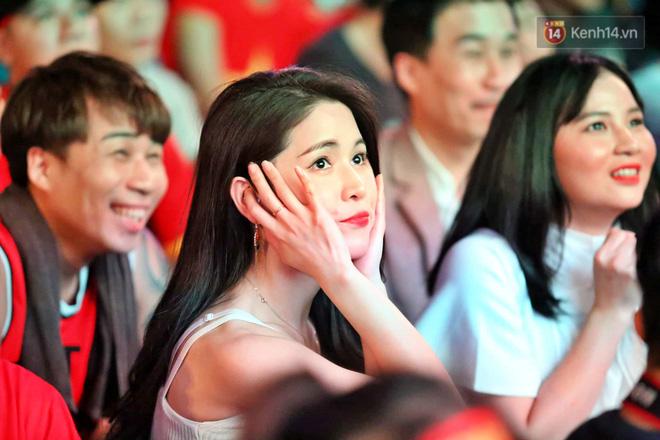 Hàng triệu CĐV vỡ òa trong niềm vui chiến thắng của đội tuyển Việt Nam trước UAE-22