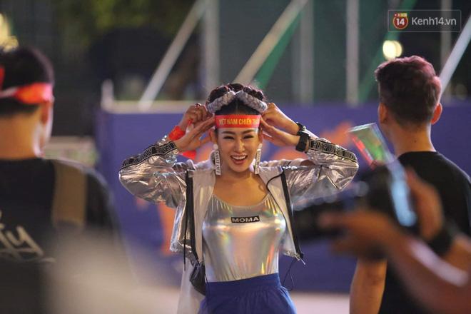 Hàng triệu CĐV vỡ òa trong niềm vui chiến thắng của đội tuyển Việt Nam trước UAE-33