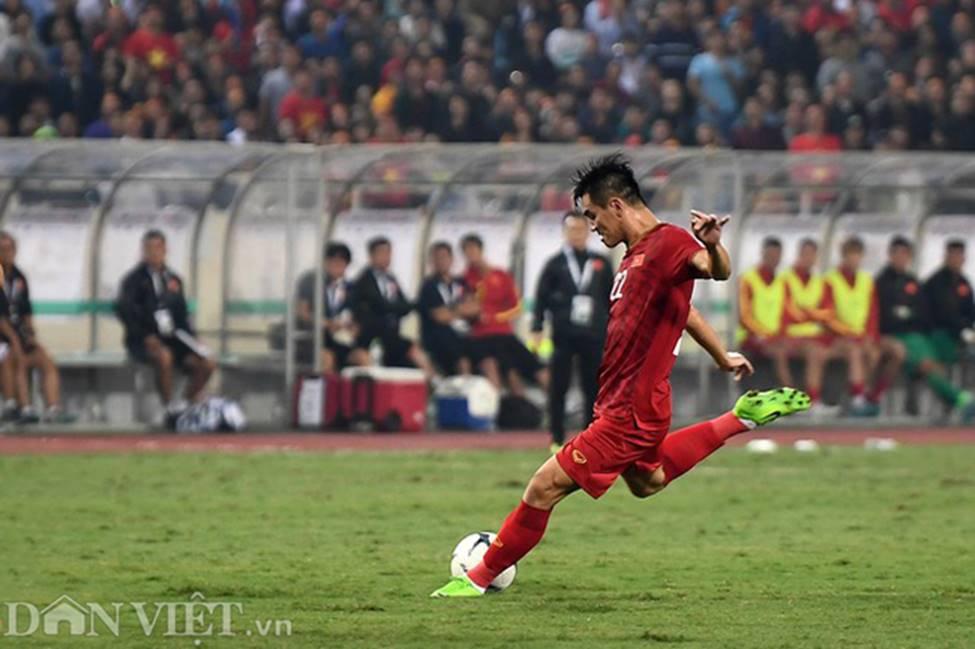 Ảnh: Tiến Linh tỏa sáng, tạo 2 bước ngoặt đưa Việt Nam thắng UAE-6