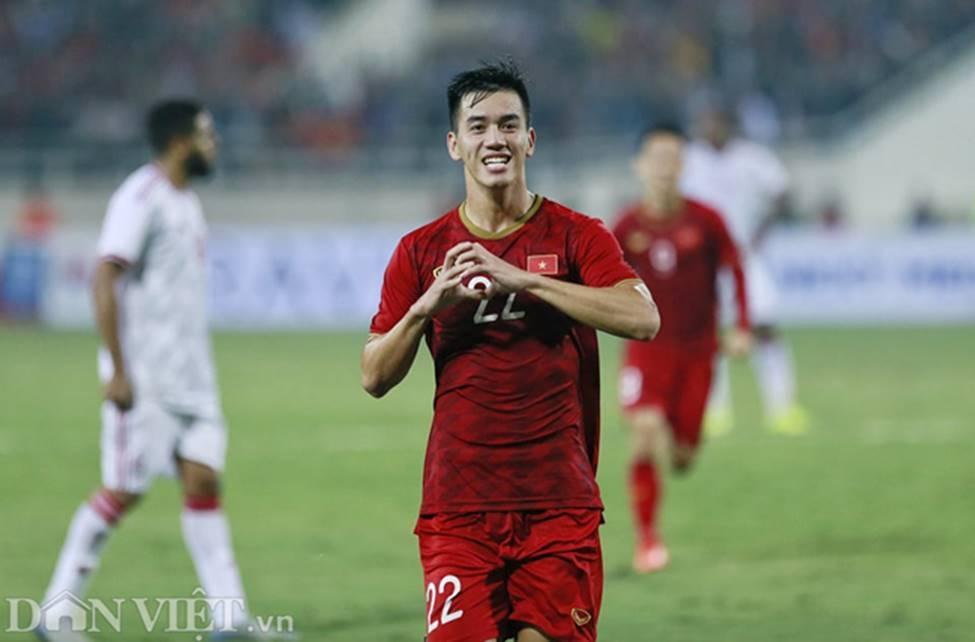 Ảnh: Tiến Linh tỏa sáng, tạo 2 bước ngoặt đưa Việt Nam thắng UAE-7